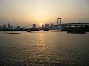 船から眺める夕焼け