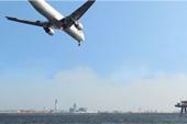 羽田空港に侵入するジャンボジェット