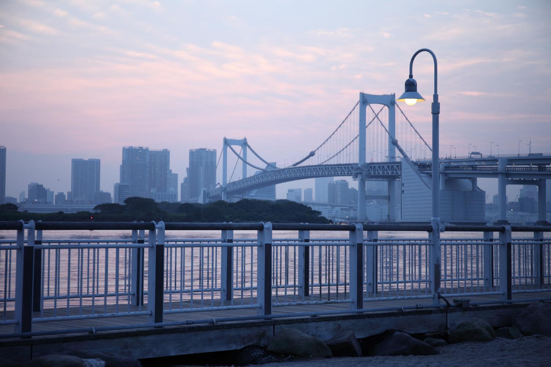 夕焼けと橋