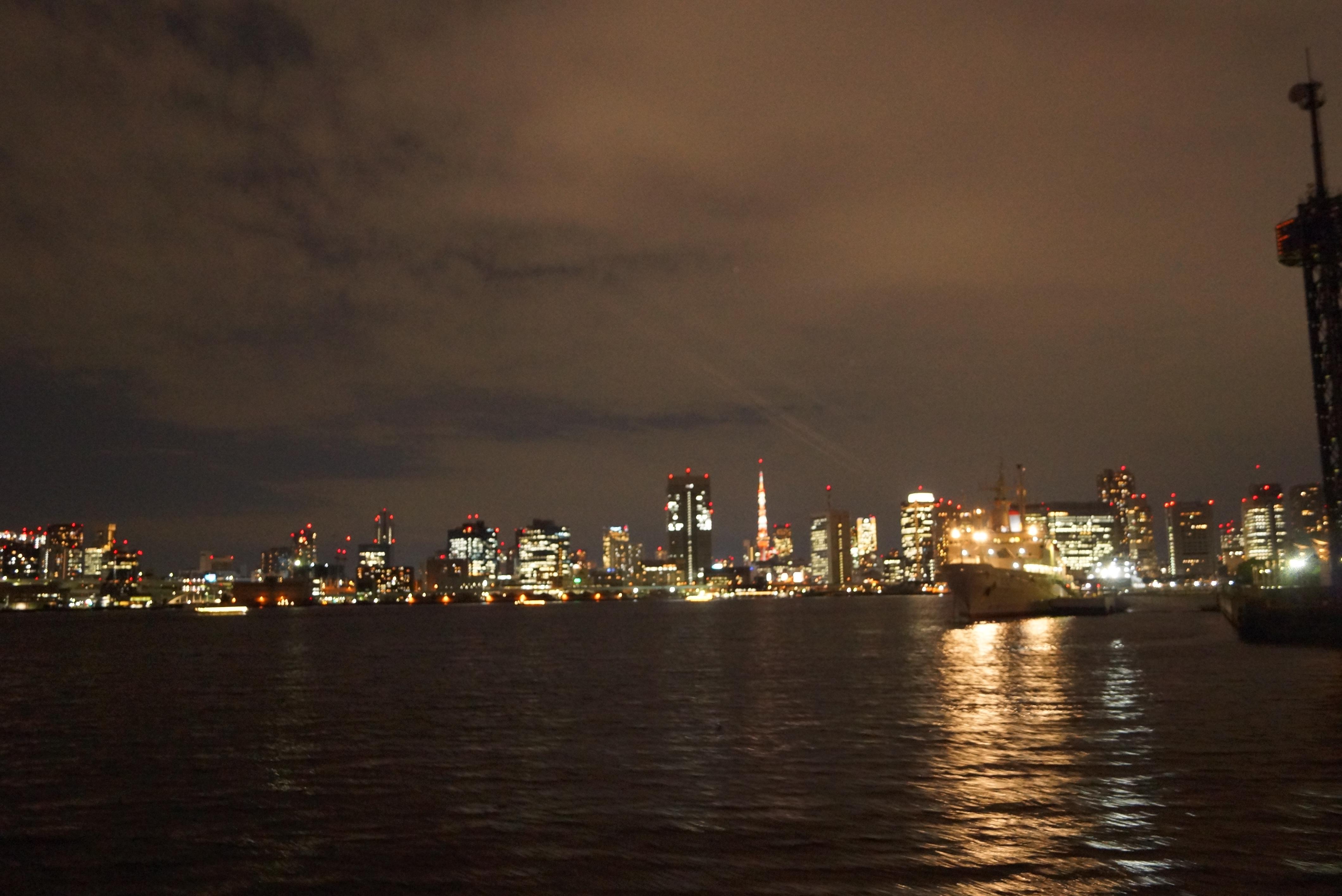 東京タワーが遠くに見える夜景