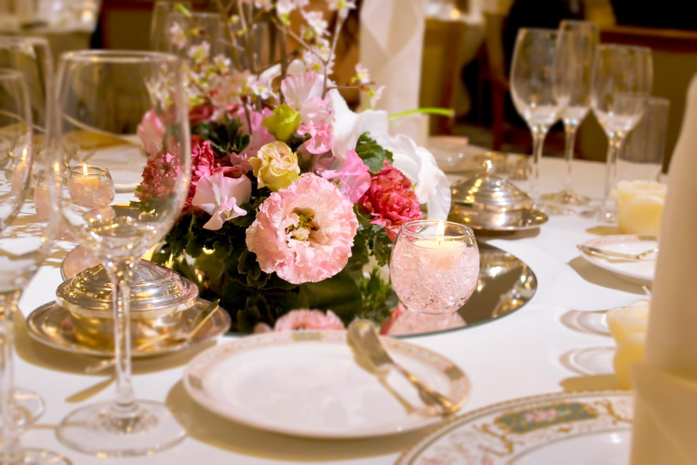 結婚式のゲストのテーブル