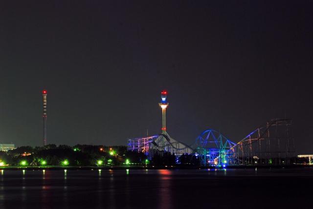 遊園地の夜景