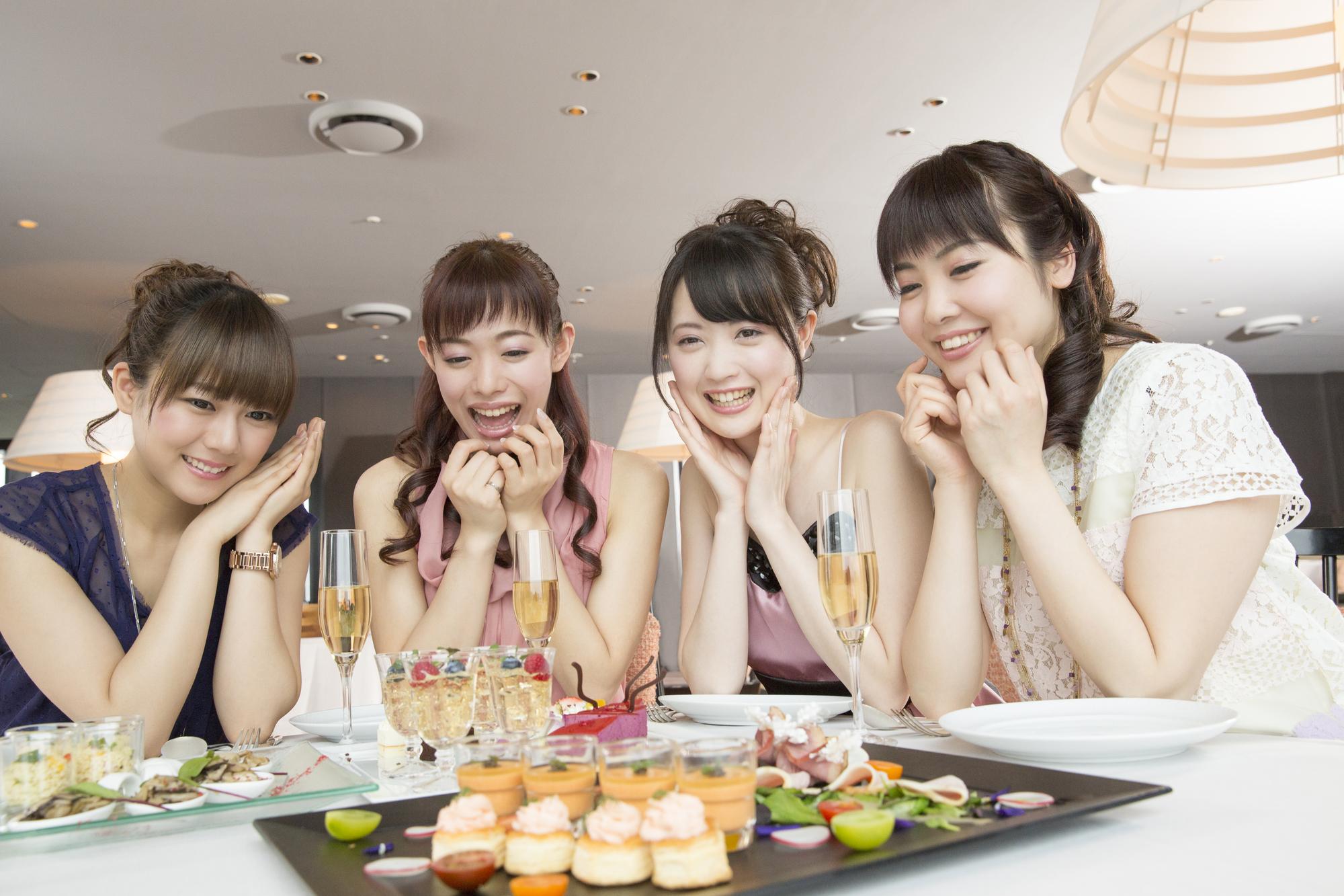 4人で集まる女子会