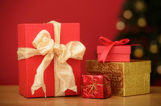 箱に入ったクリスマスプレゼント
