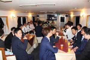 船内で結婚式二次会