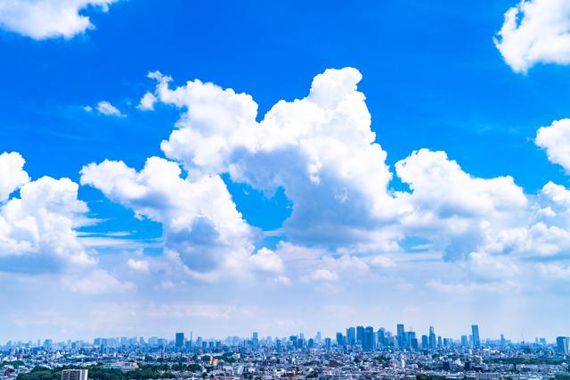 青い空と東京の景色