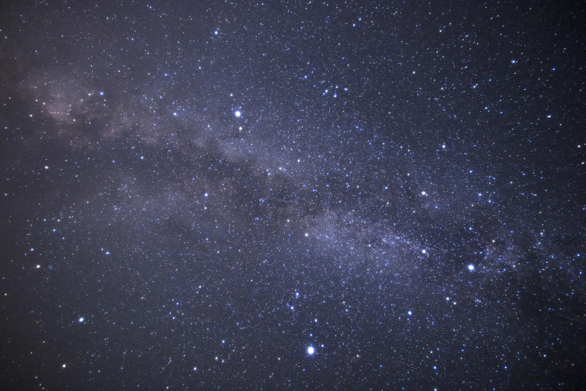 夜空に瞬く星の数々