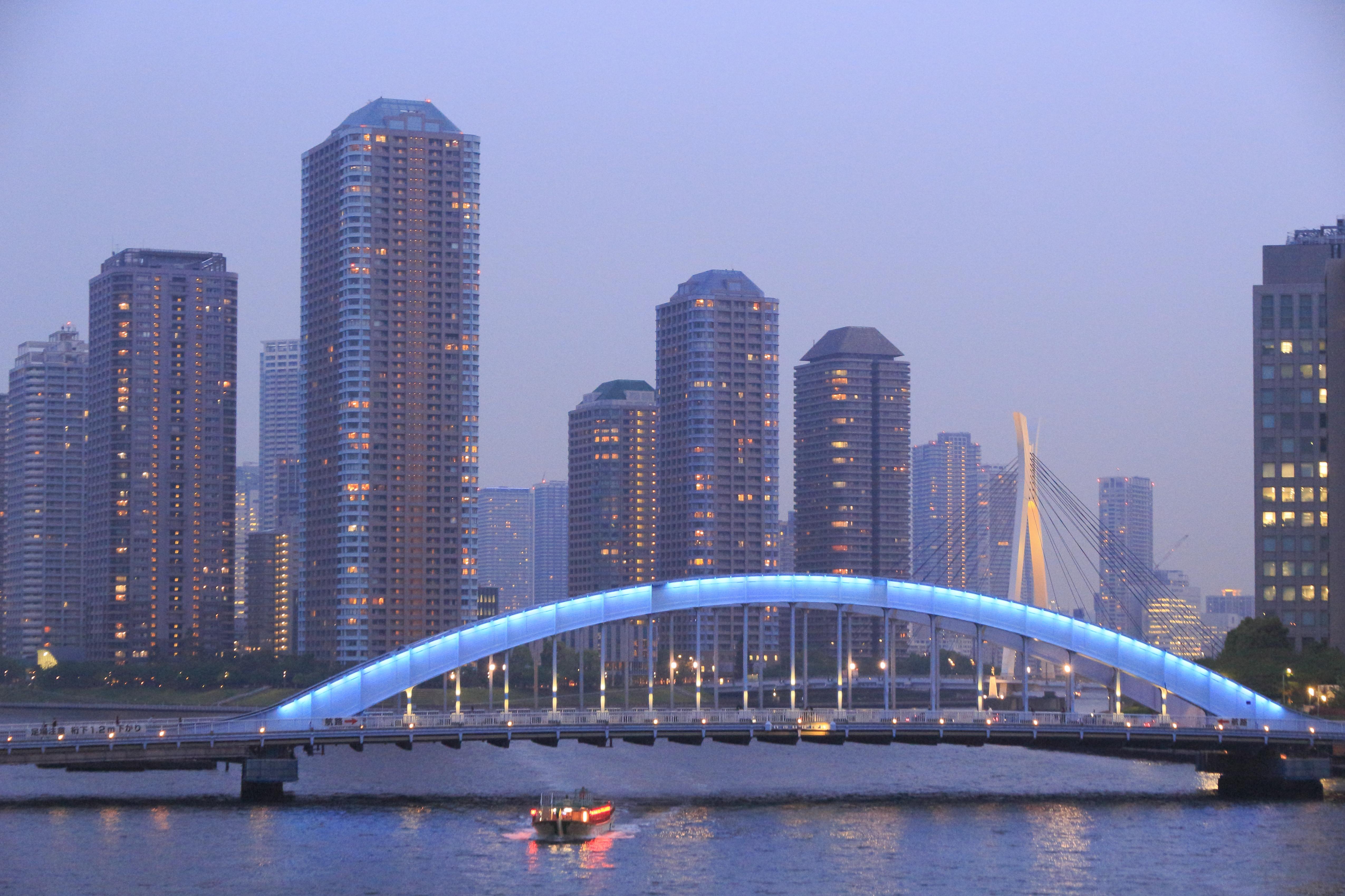 夕暮れの永代橋