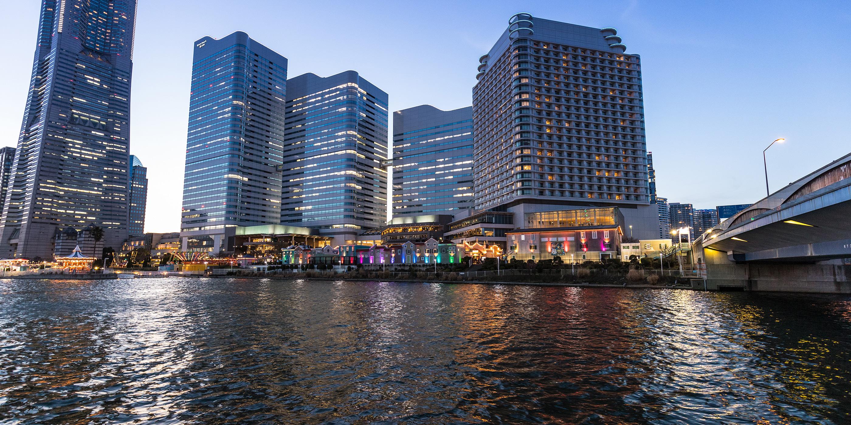 横浜のウォーターフロント都市を一望できる絶景クルーズ