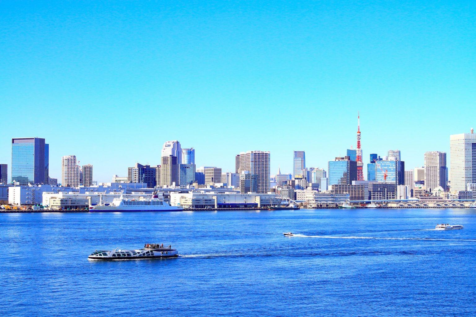 東京湾と船