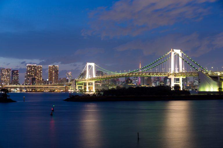 東京湾から見るお台場の夜景